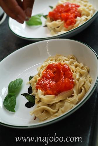 Red sauce, pasta sauce, sugo